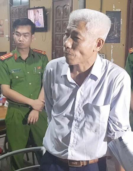 Cự Đen bị bắt tại nhà riêng chiều 19/9. Ảnh: Lam Sơn.