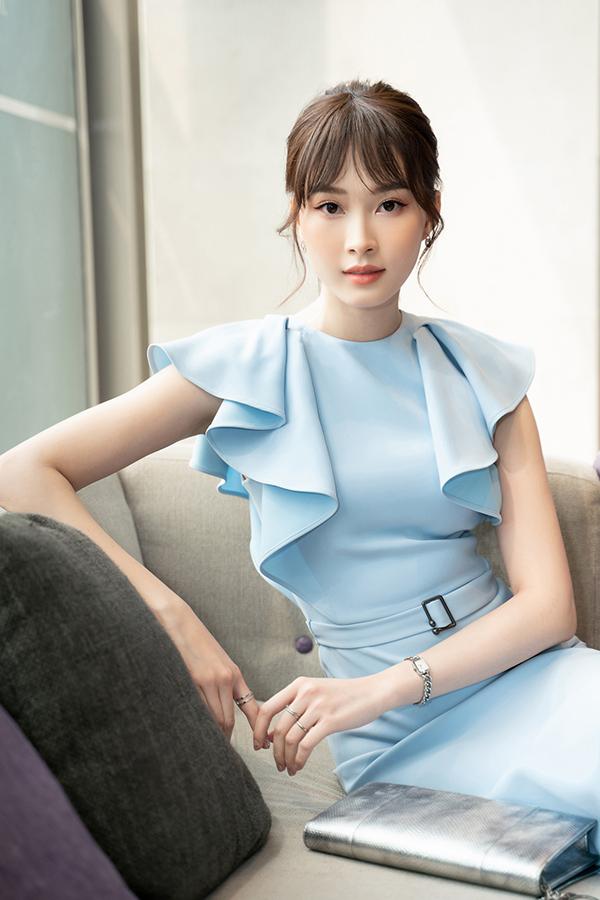 Đặng Thu Thảo quê Bạc Liêu, giành vương miện Hoa hậu Việt Nam 2012. Cô được nhiều khán giả đặt cho biệt danh Hoa hậu của các hoa hậu, Thần tiên tỷ tỷ.