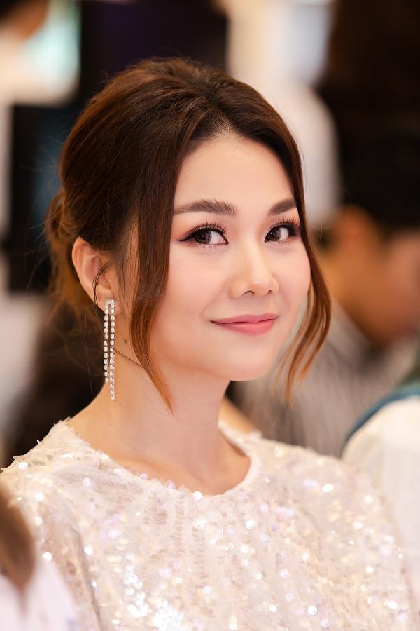 Thời gian này, Thanh Hằng tất bật vai trò giám khảo cuộc thi Hoa hậu Hoàn vũ Việt Nam 2019.