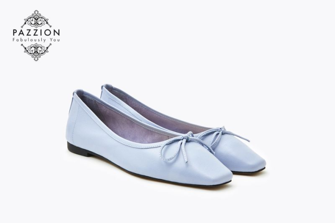 Với thiết kế mũi giày vuông có điểm nhấn vớinơ xinh xắn là sự lựa chọn hoàn hảo cho trang phục hàng ngày