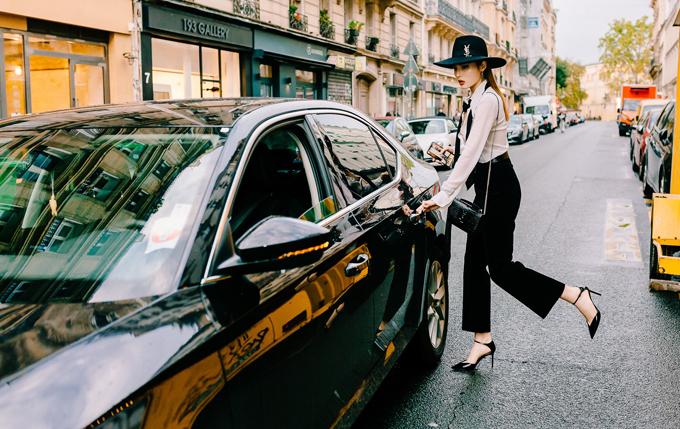 Kỳ Duyên hiện có mặt ở Pháp để dự sự kiện thời trang kết hợp tham quan, mua sắm.