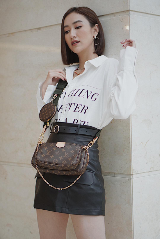 Hà Thu cũng sắm một chiếc túi mới để phong cách dạo phố của mình thêm phần sang chảnh và bằng chị, bằng em.