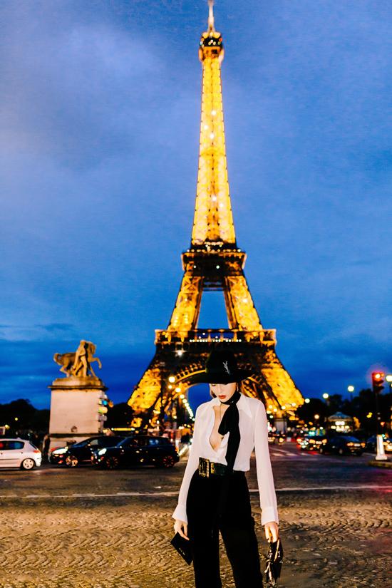 Mỹ nhân quê Nam Định tiết lộ sau khi dự Paris Fashion Week, cô sẽ du lịch vài nước châu Âu cùng bạn thân Minh Triệu.