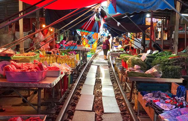 Chợ đường ray xe lửa ở Bangkok - 1