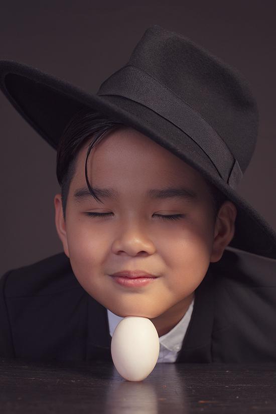 Bộ ảnh đậm chất thời trang nhưng vẫn chứa đựng nét hồn nhiên, trong sáng và đúng với lứa tuổi.