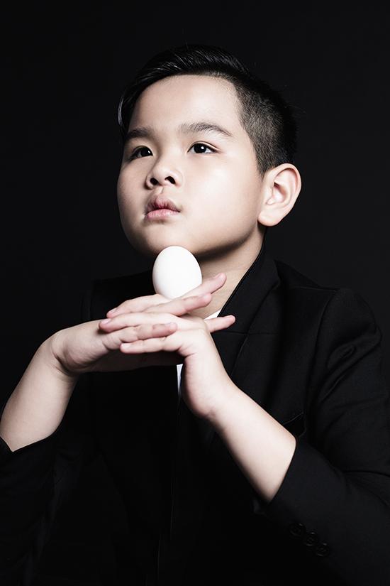Đạo diễn Nguyễn Hưng Phúc cho biết, sau thành công của Khánh An, Huỳnh Phương Anh tại các sàn diễn quốc tế, Huỳnh Phong Vinh cũng sẽ được tham gia nhiều fashion show tại Hàn Quốc và Thượng Hải.