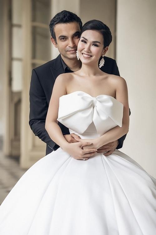 Tháng 1/2019, Võ Hạ Trâm đồng ý lên xe hoa cùng Vikas khi cảm thấy tình yêu chín muồi.