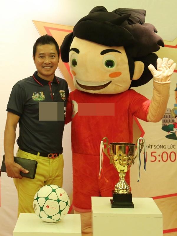 Cựu danh thủ Hồng Sơn đảm nhận vai trò huấn luyện viên chuyên môn.