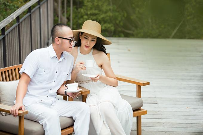 Từ khi kết hôn với thiếu gia Bình Dương năm 2013, Ngọc Thạch rút lui khỏi showbiz để dành thời gian vun vén cho gia đình.Ngoài việc chăm sóc con cái, Ngọc Thạch làm việc cho tập đoàn kinh tế của gia đình chồng. Cô còn kinh doanh thêm một salon chăm sóc tóc.