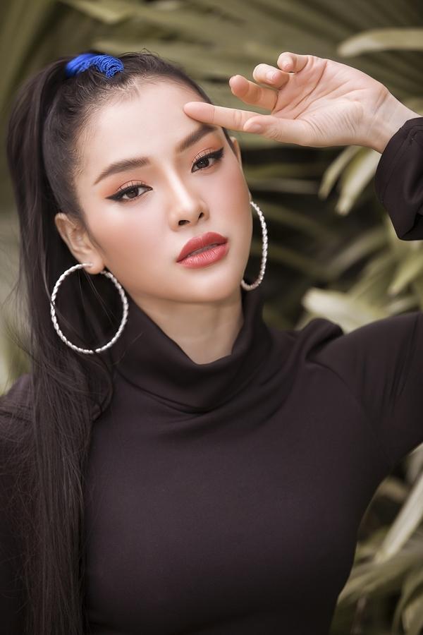 Nữ ca sĩ luôn muốn thay đổi hình ảnh bản thân mỗi khi xuất hiện trước công chúng.