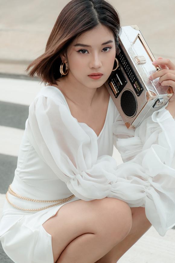 Diễn viên - ca sĩ Hoàng Yến Chibi trong một bộ ảnh mới.