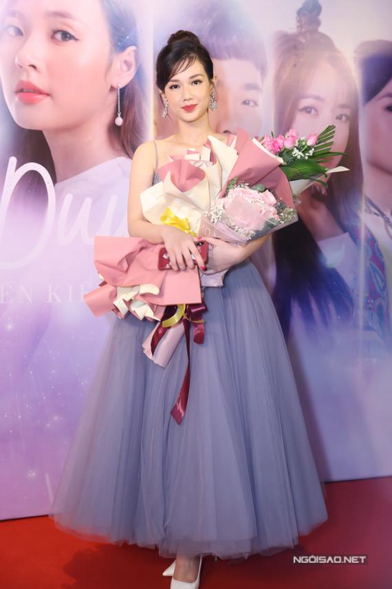 MC - diễn viên Quỳnh Chi lần đầu thử sức ởvai trò nhà sản xuất phim. Ngoài ra, cô cũng góp mặt trong phim với một vai khách mời.