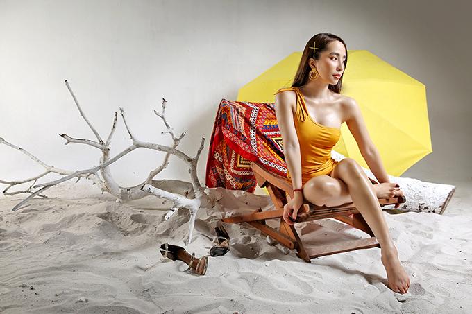 Saukhi tái xuất với vai Nhã trong Về nhà đi con, Quỳnh Nga được nhiều đạo diễn mời đóng phim. Cô hiện chủ yếu ở Sài Gòn để hoàn thành bộ phim Hoa trong bão do đạo diễn Trần Cảnh Đôn thực hiện.