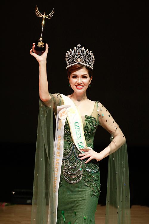 Oanh Yến mãn nguyện với thành tích đã đạt được trong lần thứ hai sang Hàn Quốc thi nhan sắc. Năm ngoái cô từng góp mặt tại Queen of Beauty World nhưng không được giải gì.