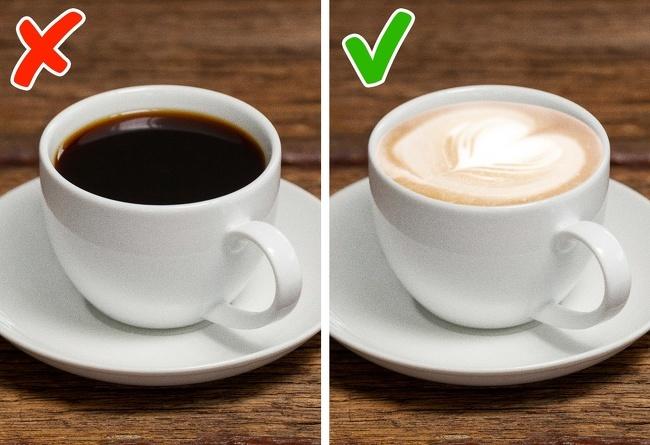 Uống cà phê đen cho bữa sáng Cà phê đen là thức uống quen thuộc của nhiều người vào buổi sáng nhưng sẽ không tốt cho sức khoẻ nếu bạn coi đó là bữa sáng. Tốt nhất, bạn nên ăn sáng trước khi uống cà phê. Nếu không kịp chuẩn bị bữa sáng, hãy thêm một chút sữa vào ly cà phê để tránh gây hại dạ dày.