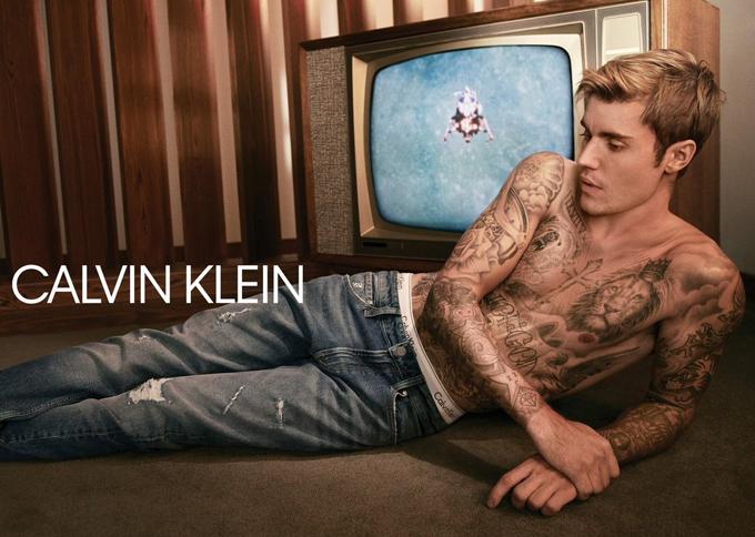 Justin Bieber là gương mặt đại diện dòng underwear của hãng thời trang này từ nhiều năm nay.