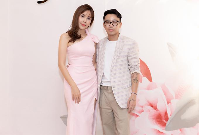 Stylist Hoàng Ku thân thiết với Lưu Hương Giang nhiều năm, góp phần lớn trong việc định hướng phong cách cho nữ ca sĩ.