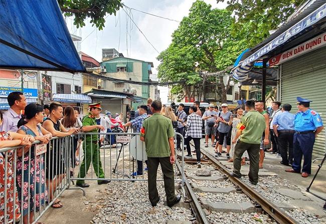 Hình ảnh cà phê đường tàu sáng nay. Ảnh: Giang Trịnh