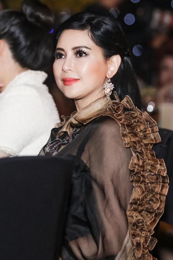 Cựu diễn viên Thủy Tiên - mẹ chồng của Tăng Thanh Hà đến dự sự kiện của đàn em.