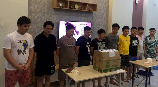 10 người Trung Quốc đang bị tạm giữ và đề nghị trục xuất về nước. Ảnh:H.N.