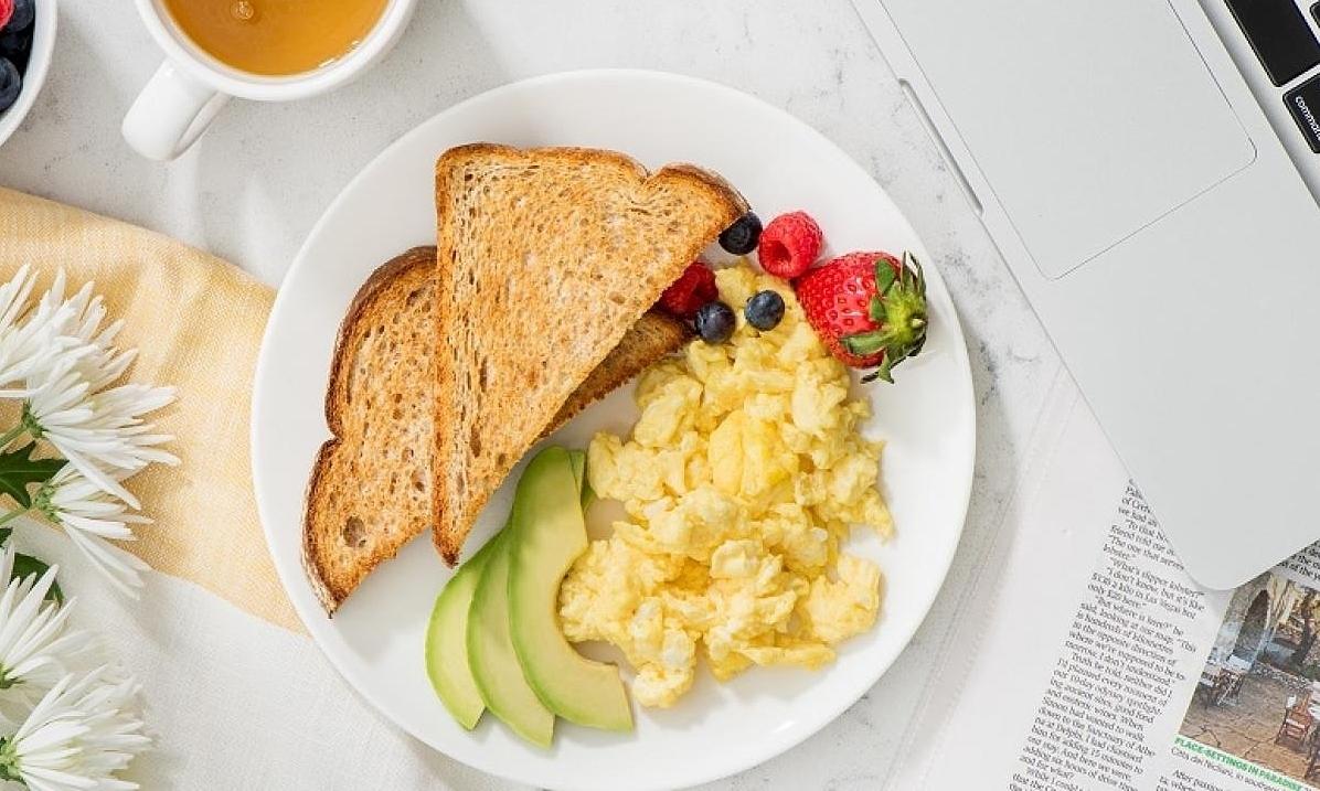 4 sai lầm khiến bữa sáng kém lành mạnh