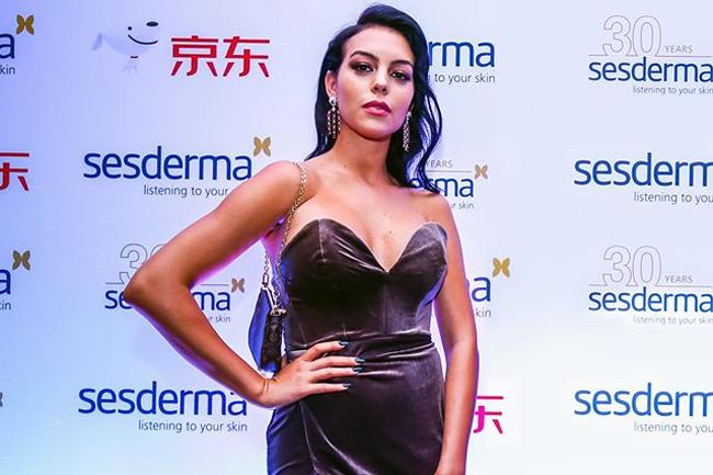 Người đẹp Georgina Rodriguez đang ở Thượng Hải, Trung Quốc