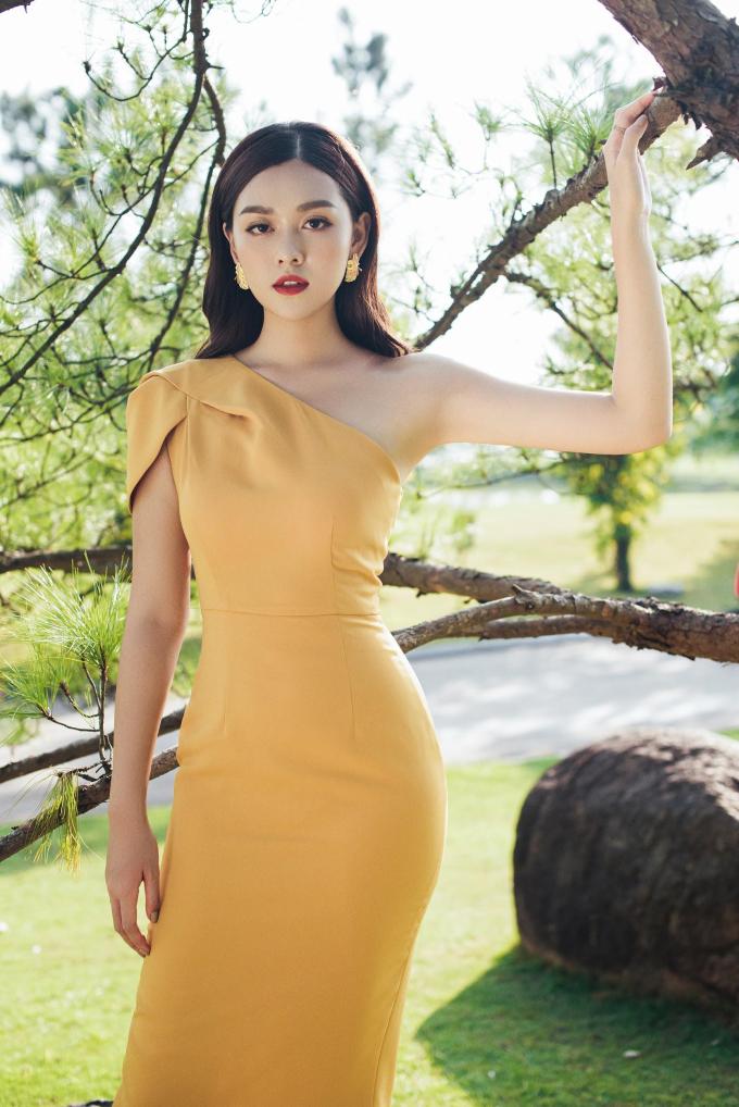 Á hậu Tường San với trang phục đậm chất nàng thơ cho ngày 20/10 (xin edit) - 2
