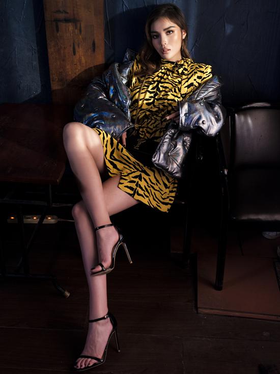 Loạt trang phục thu đông của nhiều thương hiệu nổi tiếng được Kỳ Duyên mix-match hoàn hảo để khoekhéo đôi chân dài 1m1.