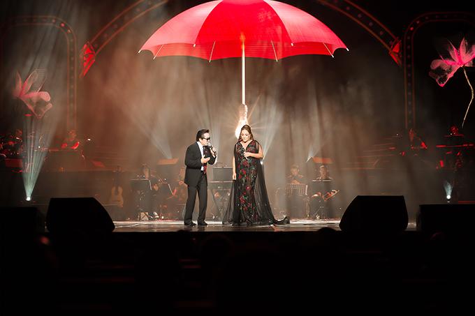 Elvis Phương và Thanh Hà cũng là một cặp tình nhân của đêm nhạc. Họ hoà giọng trong các ca khúc Lời cuối cho em.