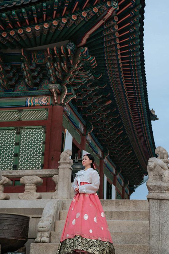 Sau chuyến đi Hàn Quốc, Ivy không về Việt Nam mà bay thẳng sang châu Âu du lịch và mua sắm.