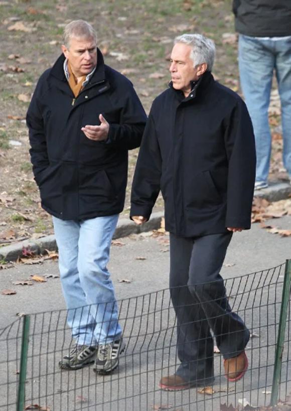 Hoàng tử Andrew và tỷ phú Epstein ở New York vào năm 2010. Ảnh: Jae Donnelly.