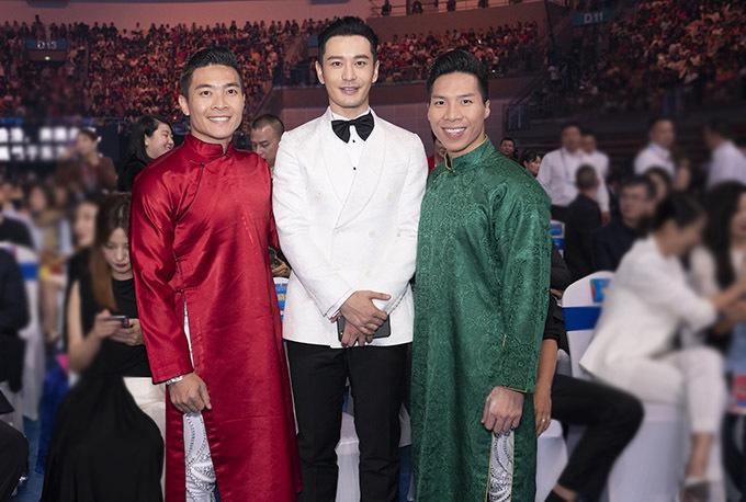 Quốc Cơ - Quốc Nghiệp tình cờ gặp gỡ diễn viên Huỳnh Hiểu Minh.