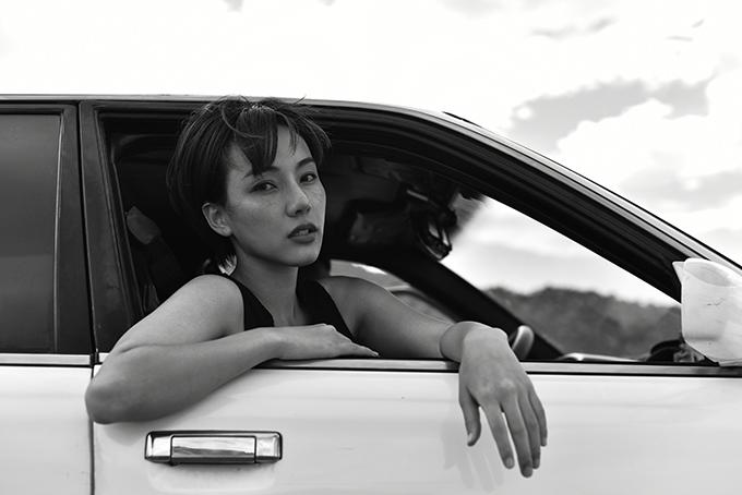 Gigi Hương Giang trong MV Anh đưa em đi.
