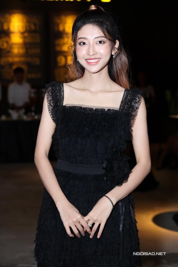 Diễn viên Kim Chi là nhân tố mới hứa hẹn gây nhiều bất ngờ cho khán giả. Ngoài ra, phim có sự góp mặt của: Minh Dự, Vũ Ngọc Anh, Cường Seven, Dương Ngọc Anh...