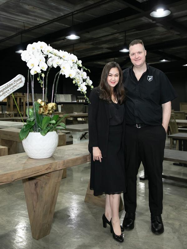 Ngọc Nga cho biết, Burden Furniture là công ty do chính hai vợ chồng Ngọc Nga thành lập vào ngày 29/8/2012, chuyên về sản xuất hàng nội thất xuất khẩu. Công ty hoạt động dựa trên sứ mệnh duy trì một nền tảng bền vững để cung cấp đồ nội thất chất lượng cho khách hàng trên toàn cầu.