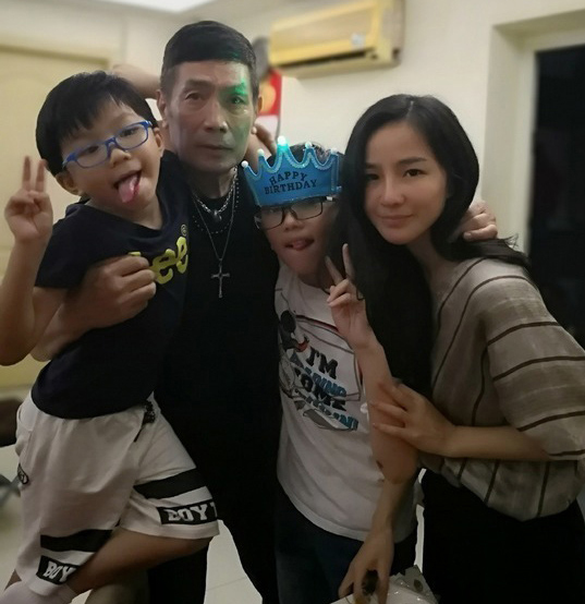 Lưu Vĩnh và người vợ ba.