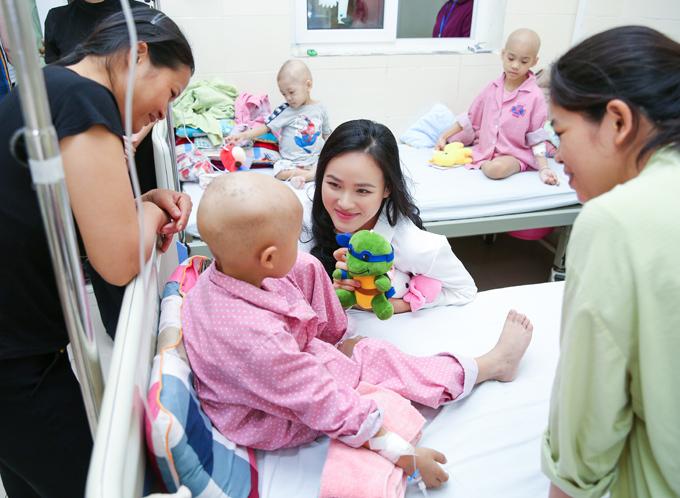 Dự án I dont care sẽ tiếp tục được triển khai với sự đồng hành của nhiều nghệ sĩ, các mạnh thường quân nhằm giúp những bệnh nhi ung thư có thêm ý chí, nghị lực để không đầu hàng số phận.