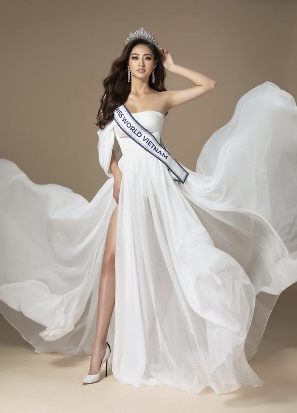 Lương Thùy Linh năm nay 19 tuổi, quê Cao Bằng và đăng quang cuộc thi Hoa hậu Thế giới Việt Nam 2019. Cô được trao quyền đại diện nước nhà dự thi Miss World 2019, tổ chức ở London vào tháng 12.