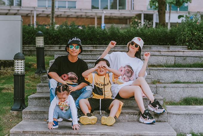 Gia đình Khánh Thi - Phan Hiển.