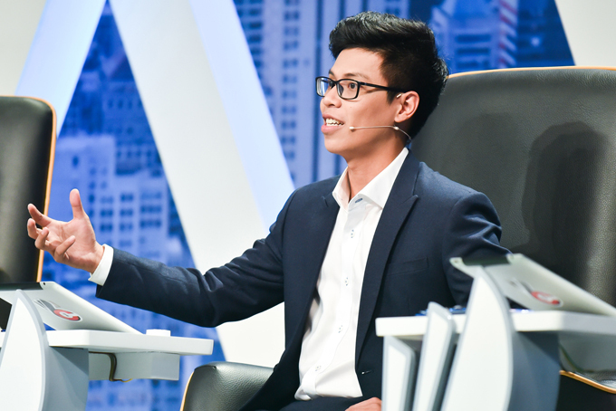 Ghế nóng chương trình thực tế này có sự góp mặt của doanh nhân trẻ Ngô Hoàng Duy Khánh, Phó chủ tịch Đầu Tư và Phát Triển Doanh Nghiệp, Thành Viên Thường Trực HĐQT Tập Đoàn TiKi. Đây cũng là vị sếp trẻ nhất của chương trình nhưng có nhiều năm kinh nghiệm làm việc và phát triển Tiki từ một trang web bán sách trở thành một trong những trang thương mại điện tử lớn nhất Việt Nam. Khẩu vị chọn nhân sự của vị sếp 30 tuổi này cũng rất độc đáo khi ưu tiên những ứng viên có cá tính phù hợp với vị trí tuyển dụng hơn kinh nghiệm làm việc. Với tài thuyết phục của mình, sếp Khánh đã lôi kéo được ứng viên Tiến Quyết về công ty mình với mức lương 20 triệu đồng, thấp hơn 5 triệu so với lời đề nghị của sếpVũ Mạnh Hùng – Chủ tịch HĐQT- TGĐ Tập Đoàn Hùng Nhơn.