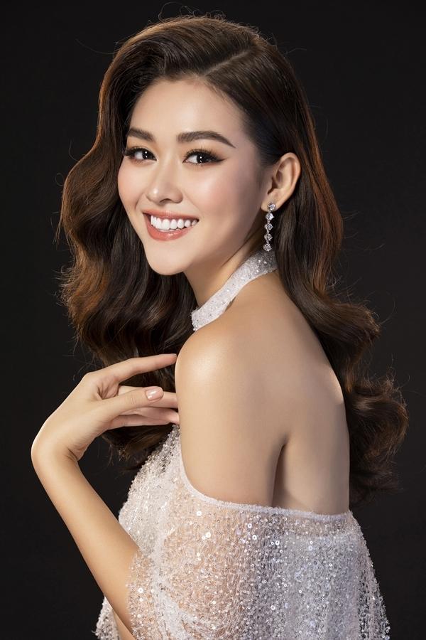 Nhiếp ảnh: Lê Thiện Viễn - Stylist: Phạm Bảo Luận - Trang điểm: Quân Nguyễn - Làm tóc: Pu Lê.