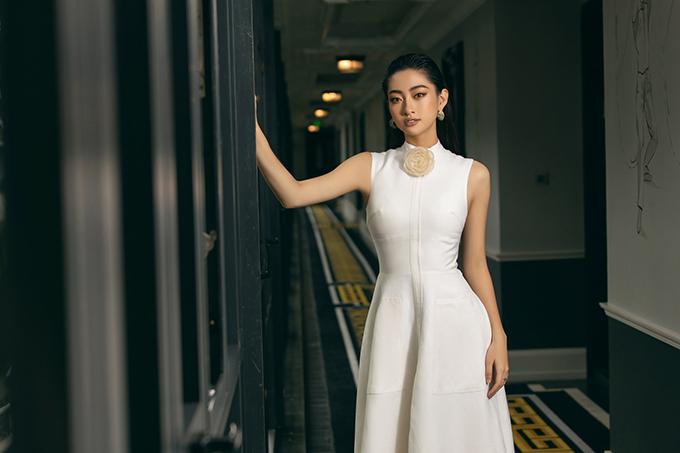 Lương Thuỳ Linh diện váy thu đông - 7