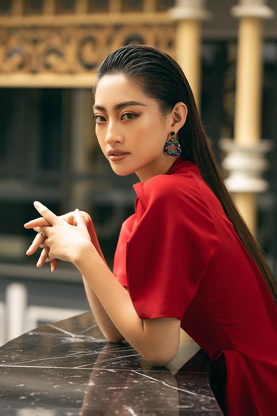 Lương Thuỳ Linh diện váy thu đông - 4