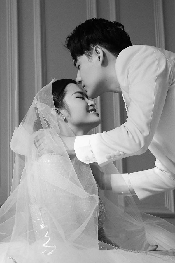 Đông Nhi - Ông Cao Thắng tung MV đám cưới - 6
