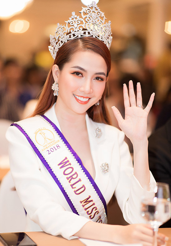 Cô tích cực tham gia các sự kiện quảng bá du lịch, thể thao bên cạnh hoạt động nghệ thuật. Phan Thị Mơ hiện là diễn viên phim truyền hình và người mẫu. Cô cũng mới thử sức kinh doanh mỹ phẩm.
