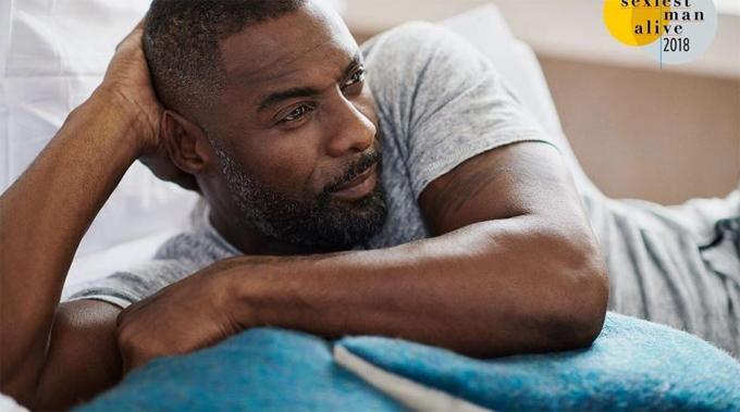 Tài tử Idris Elba được bình chọn vào năm 2018. Anh thổ lộ cảm xúc khi nghe tin: Tôi đã tự hỏi: Ồ, không phải chứ? Thật là như thế ư? Tôi nhìn lại mình trong gương và nghĩ: Hôm nay trông mày cũng khá quyến rũ đấy! Thành thực mà nói, đó là một sự bất ngờ đầy thú vị và nó giúp củng cố sự tự tin của tôi.