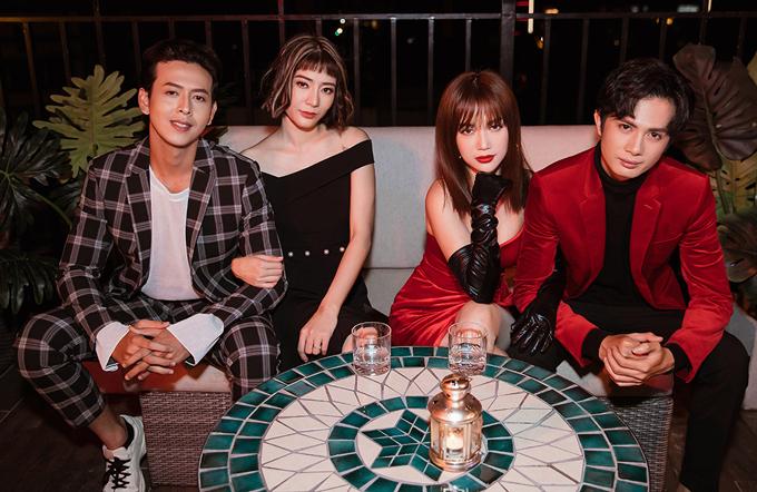 Diễn viên Kim Nhã (váy đen) và Bảo Anh (vest kẻ) cũng góp mặt trong sản phẩm này.
