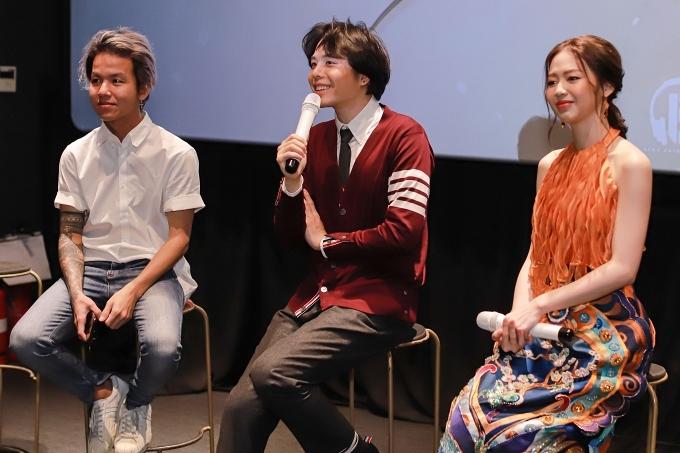 MC Nói hết lòng mình do Khương Vũ (trái) làm đạo diễn, sẽ ra mắt vào ngày 16/11.