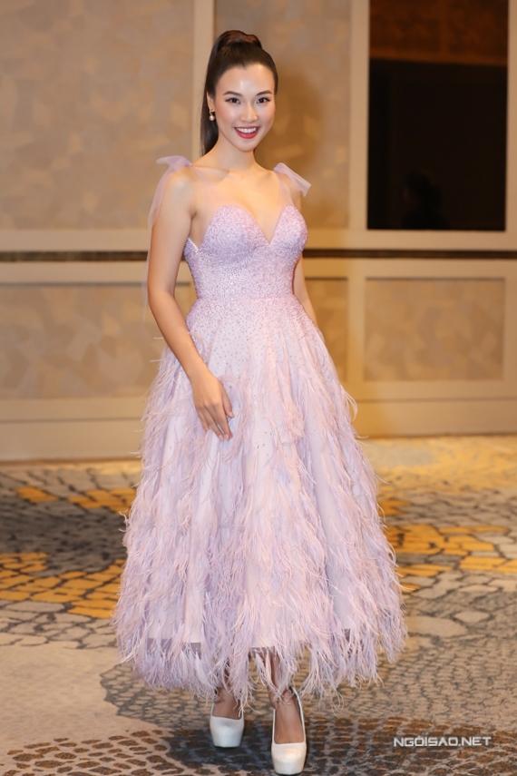 Chồng sắp cưới của Hoàng Oanh - Jack là người Mỹ và sinh sống ở Singapore, do đó hầu hết công tác tổ chức đám cưới đều