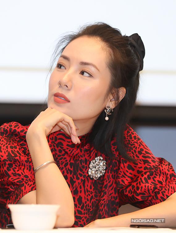 Ca sĩ Phương Ly.